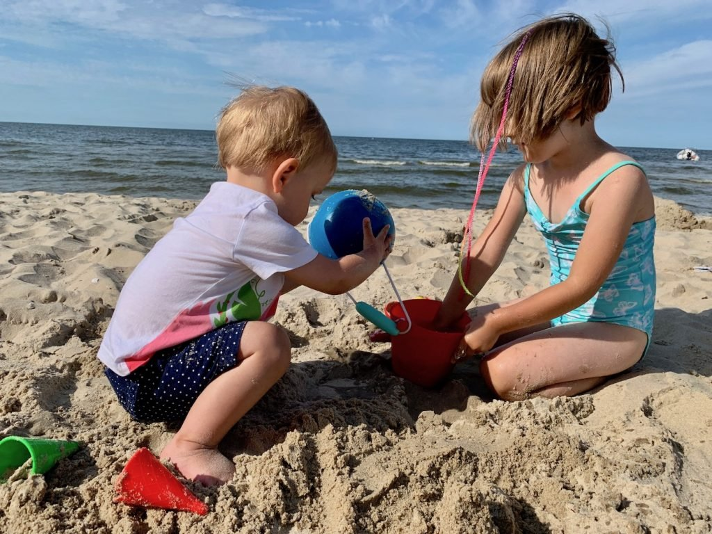 zabawki do piasku na plażę