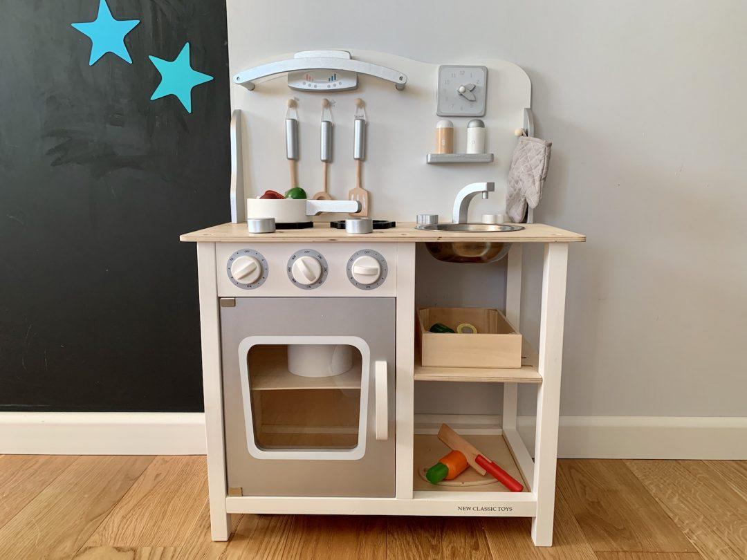 drewniana kuchnia zabawka dla dzieci