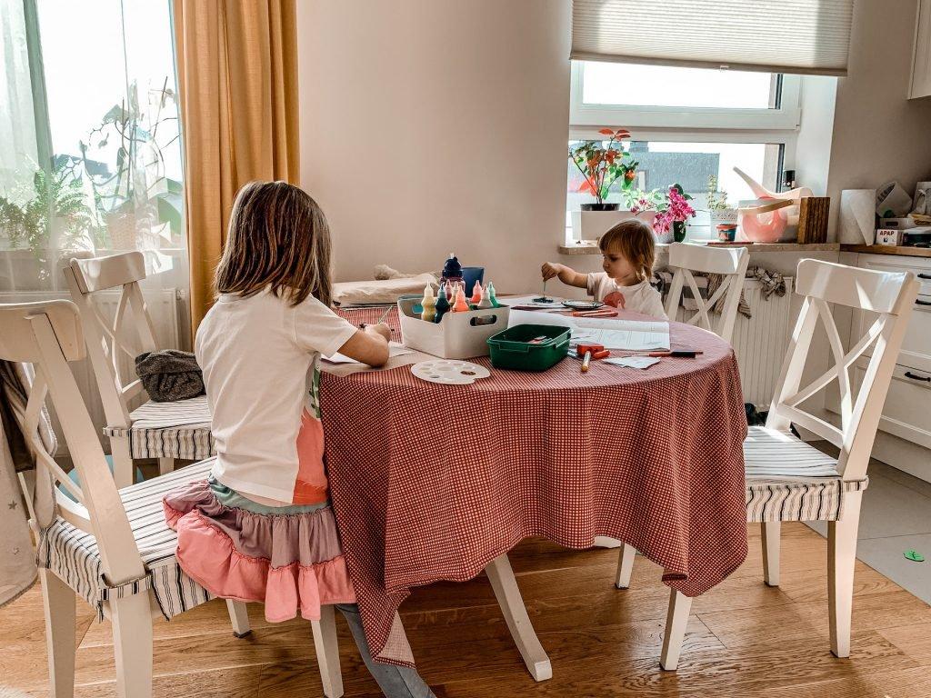 jak się zorganizować w domu z dziećmi